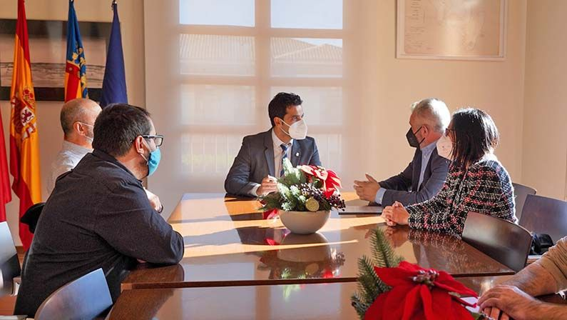 Ayuntamiento y APYMEP alcanzan un acuerdo para impulsar la reactivación de autónomos y pymes de Paterna